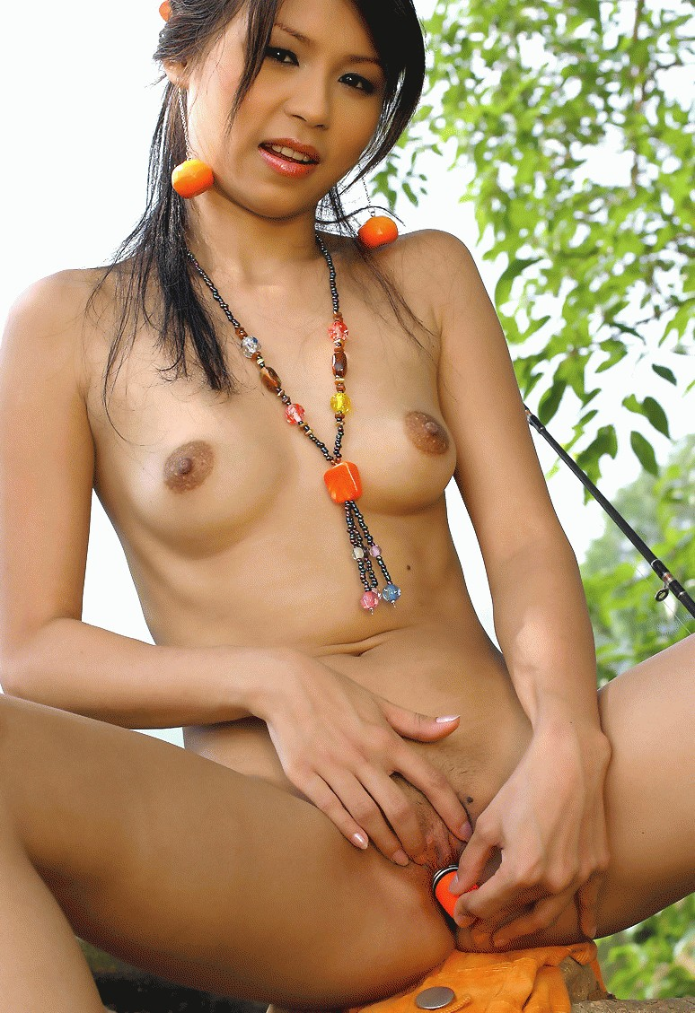 Nude cute girl bj