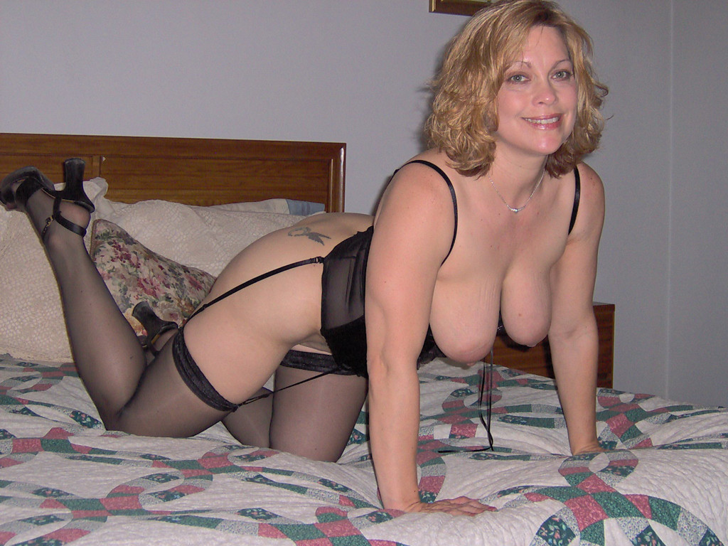 amateur british housewife photo 1