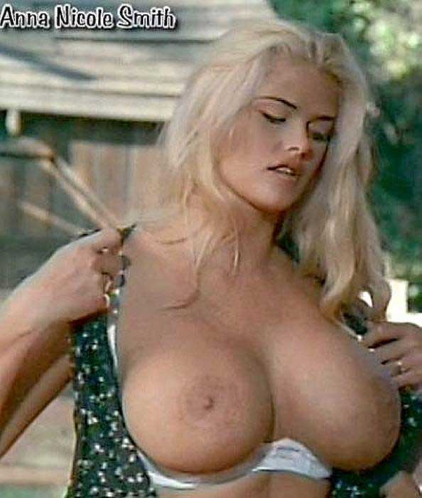 Anna nicole smiths tits photo 421