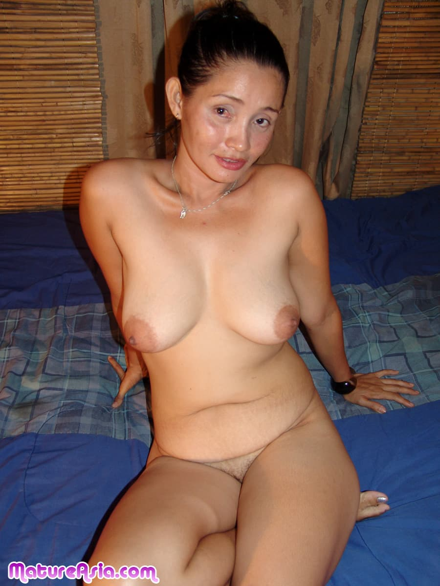 naked Old asian