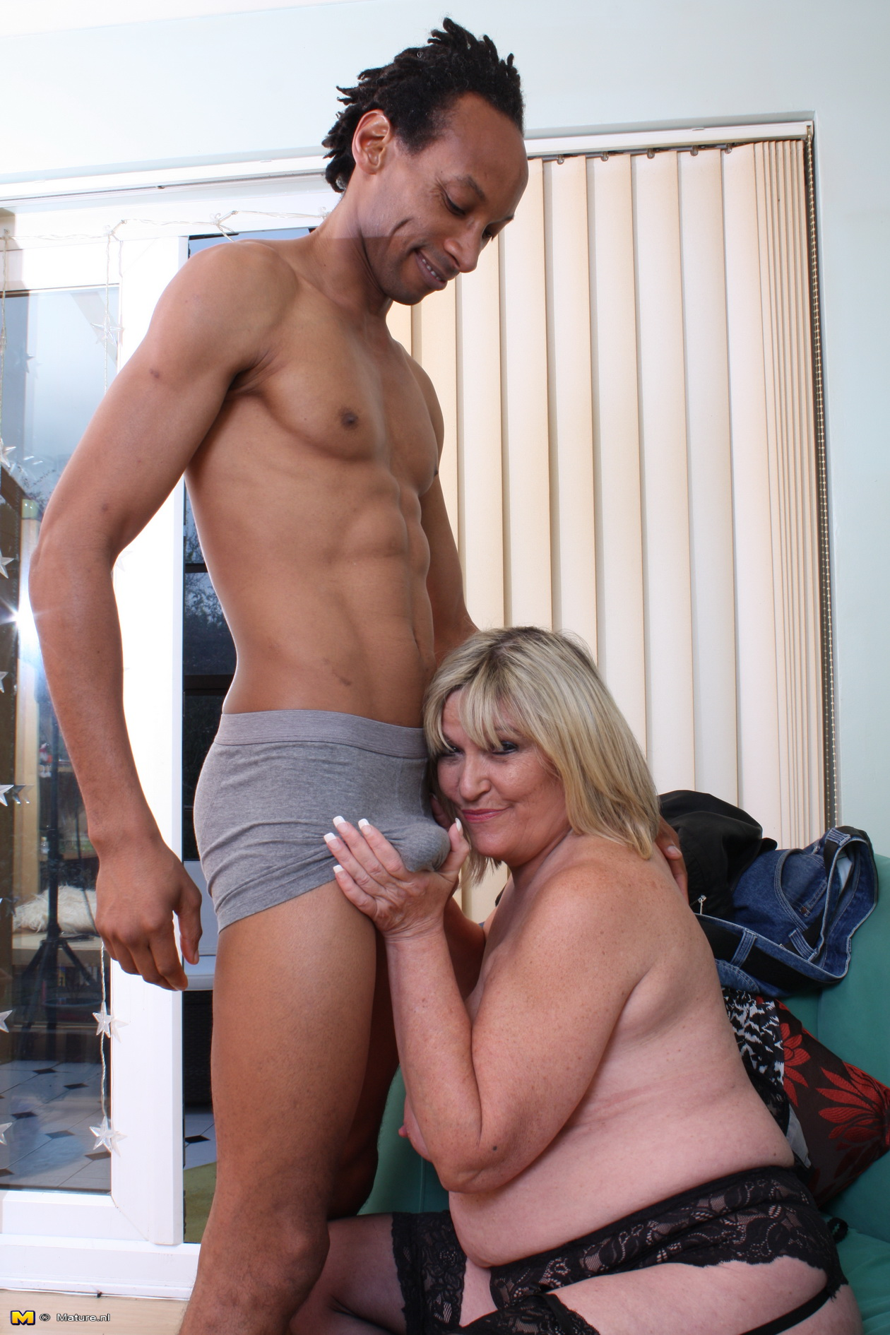 Blonde Mature Bbc Creampie
