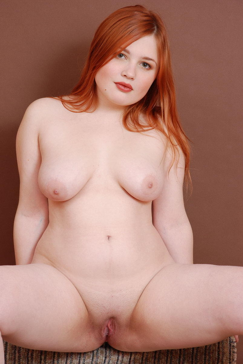 Nude sexy big hips of girls