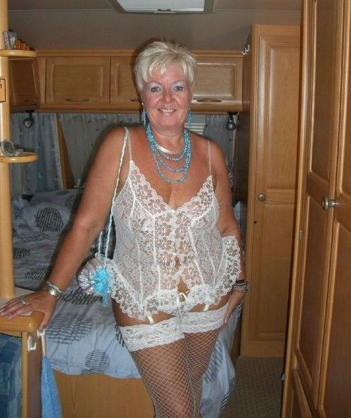 best hot older women images on pinterest older women curves 1