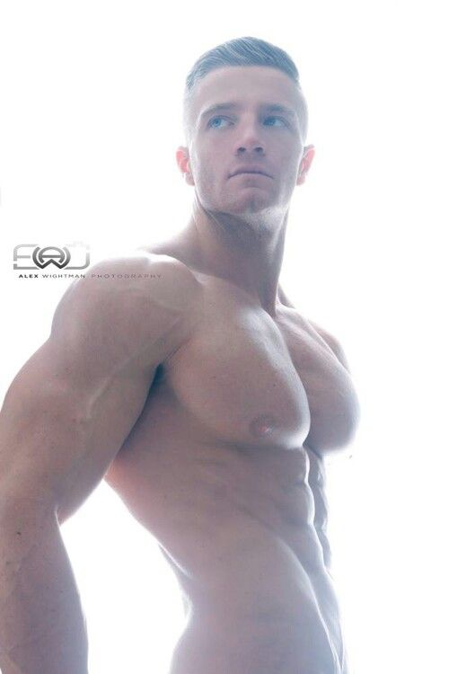 best muscle bound images on pinterest hot guys sexy guys