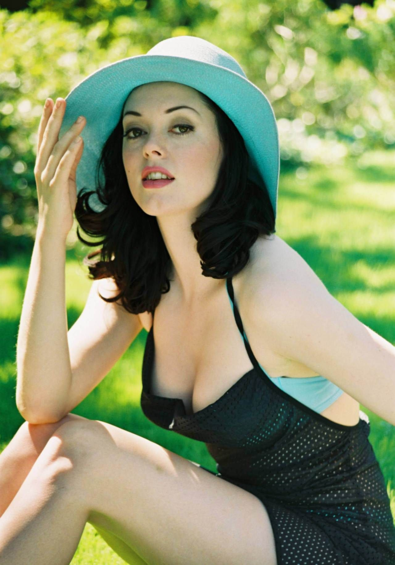 best rose mcgowan images on pinterest beautiful women celebrity and celebs 1