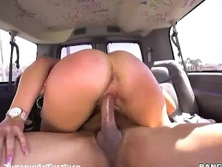 Brandi love & housewife kelly creampie video!