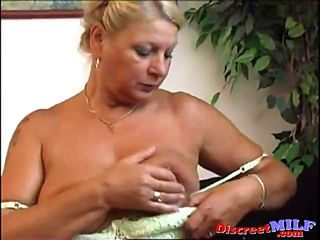 blonde fat milf toying her old pussy solo masturbating
