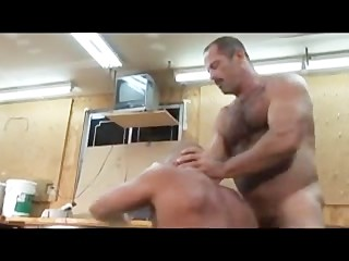 butch bear muscle bear truck stop part 1