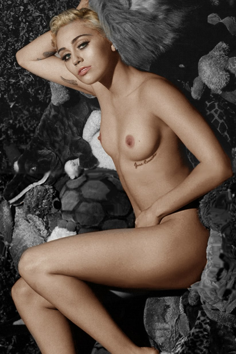 Celebrity Nude And Famous Miley Cyrus 8
