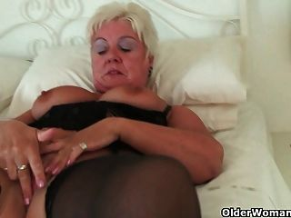 Tina rubbing her belly clit smoking fetish chubby tmb