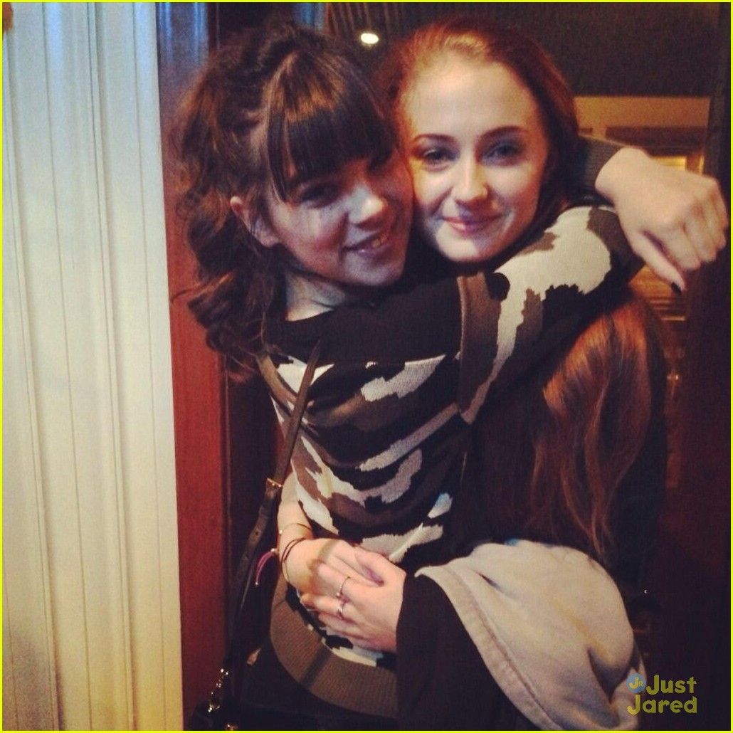 dove cameron hailee steinfeld barely lethal set pics dove cameron