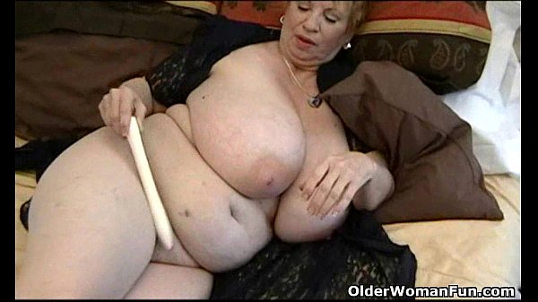 fat granny dagny with her big tits plays with vibrator 1