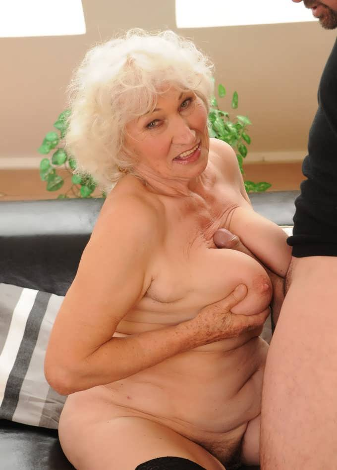 Mature cougars filmed fucking upclose video