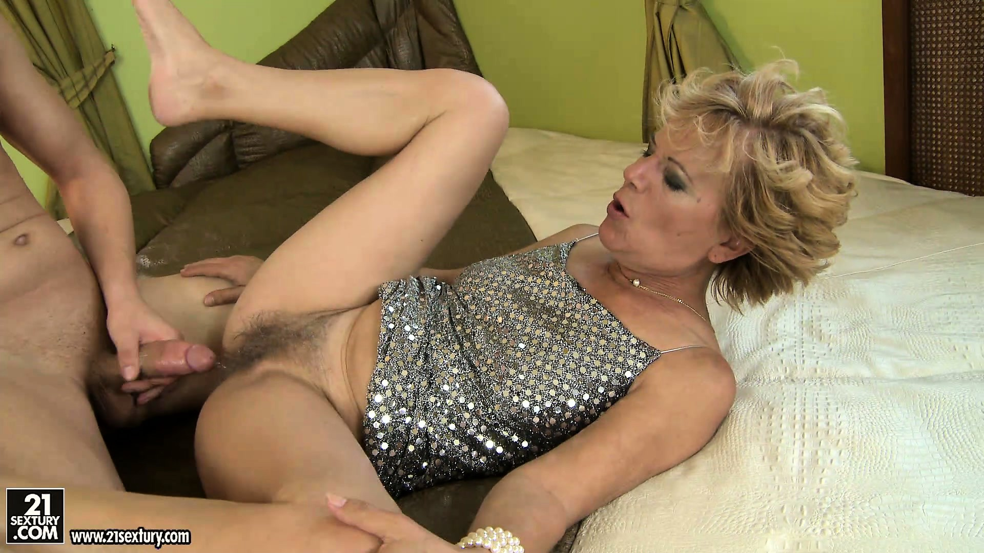 Hairy european mature free porn video