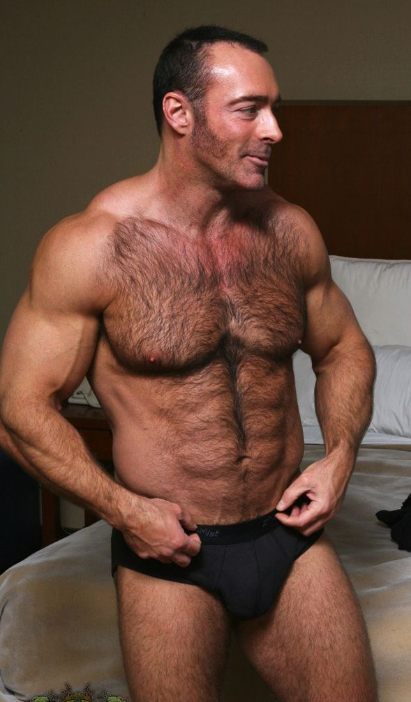 chest xxx muscled