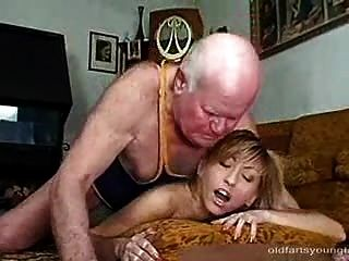 Couple makes naiked bare babe in bed