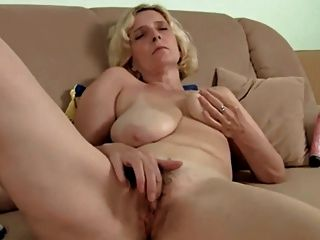 mature pussy French hairy
