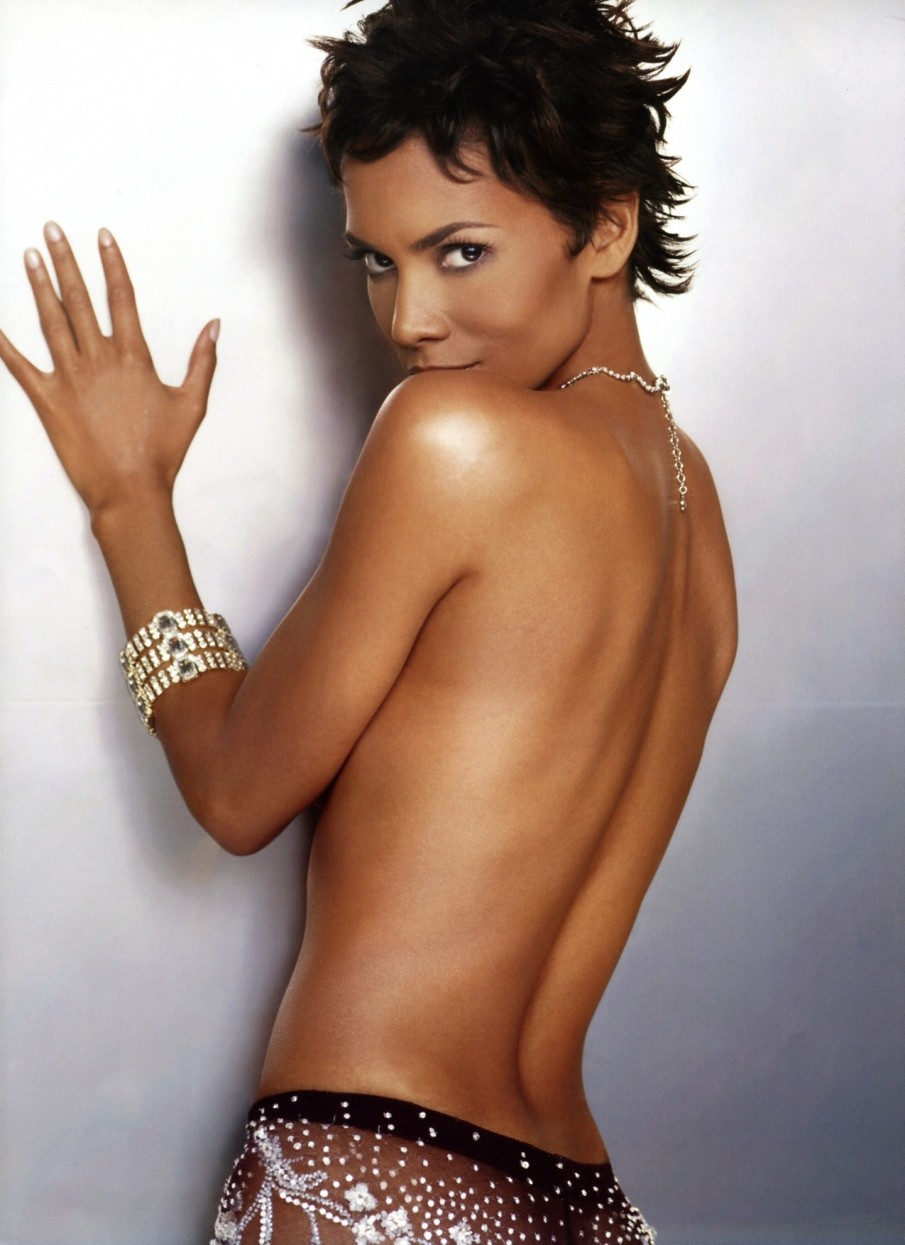 The amusing Halle berry showing her pussy