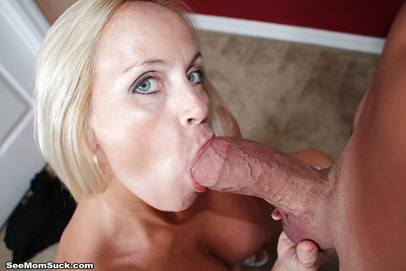 Sexiest female porn star sucking