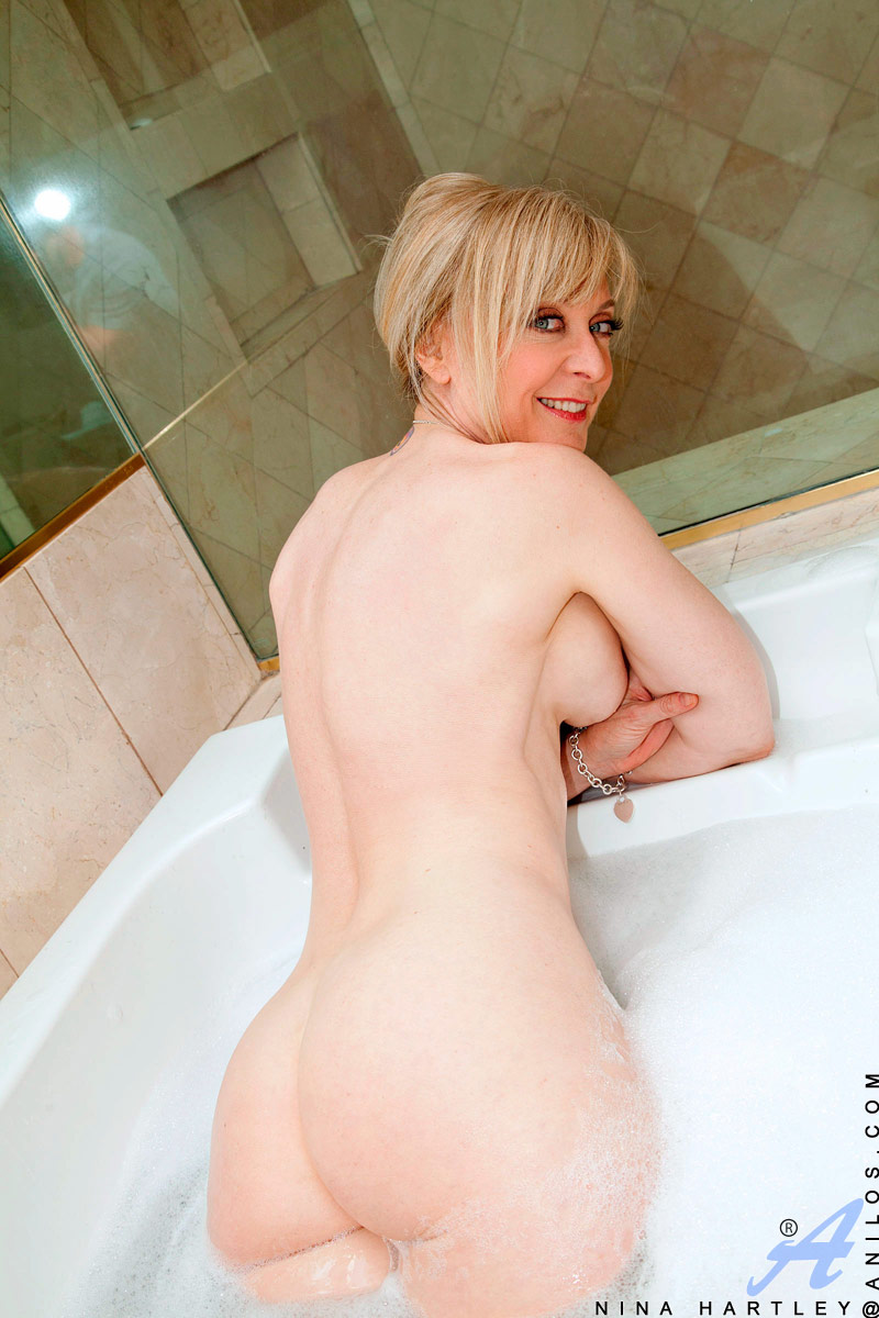 Chubby Blonde Squirt Solo
