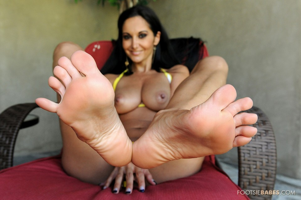 Milf jackie has her feet worshipped