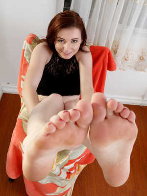 karlie brooks feet karlie brooks feet pictures her feet