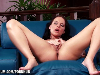 katie ives plays with her feet and wet pussy