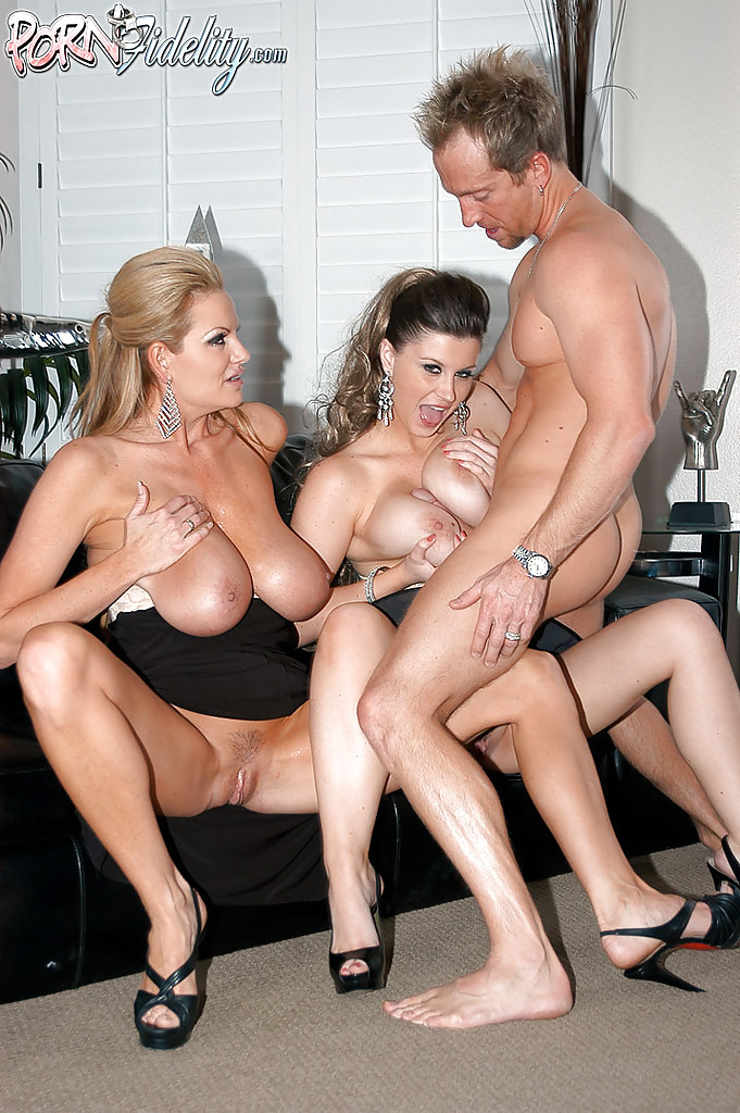 Big Tit Threesome Caught