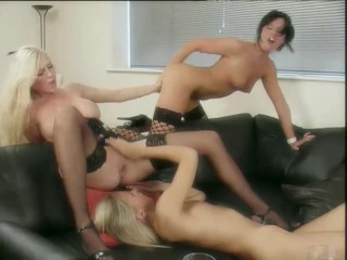lolly michelle and suzie threeway
