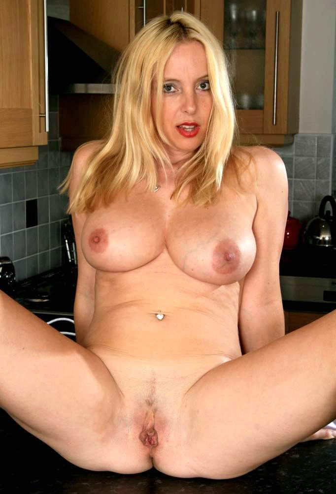 Amateurs 40 Year Old Milf