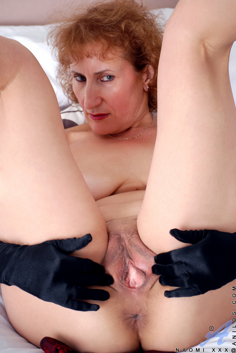 mature ladies sex and milf pics busty redhead cougar spreads ...