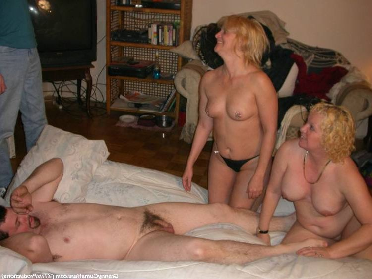 Amateur Swinger Mom Party