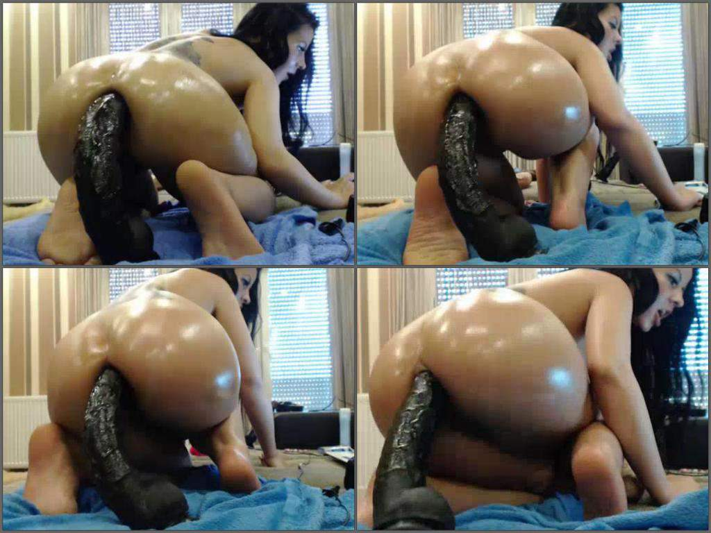 Solo Big Ass Latina Ride Dildo