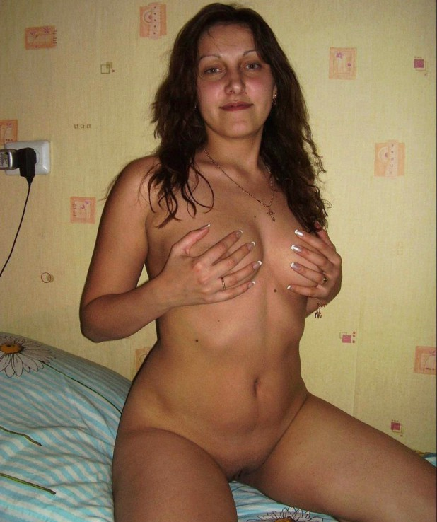 Girls naked without clothes