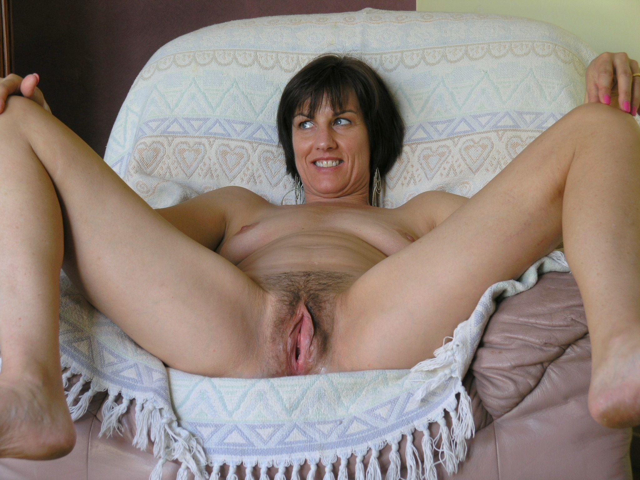 Naked horny housewife