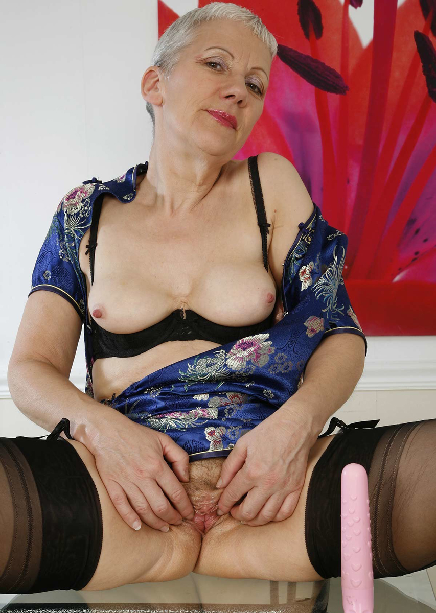 old big pussy granny pics gallery old big ass missis shows pink pussy