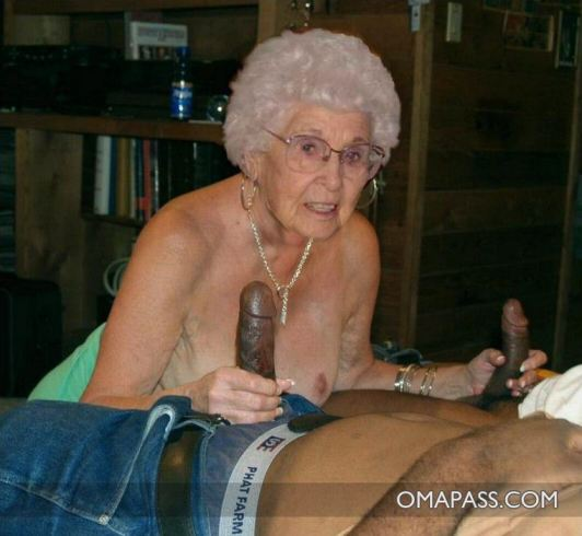 Very old black granny porn