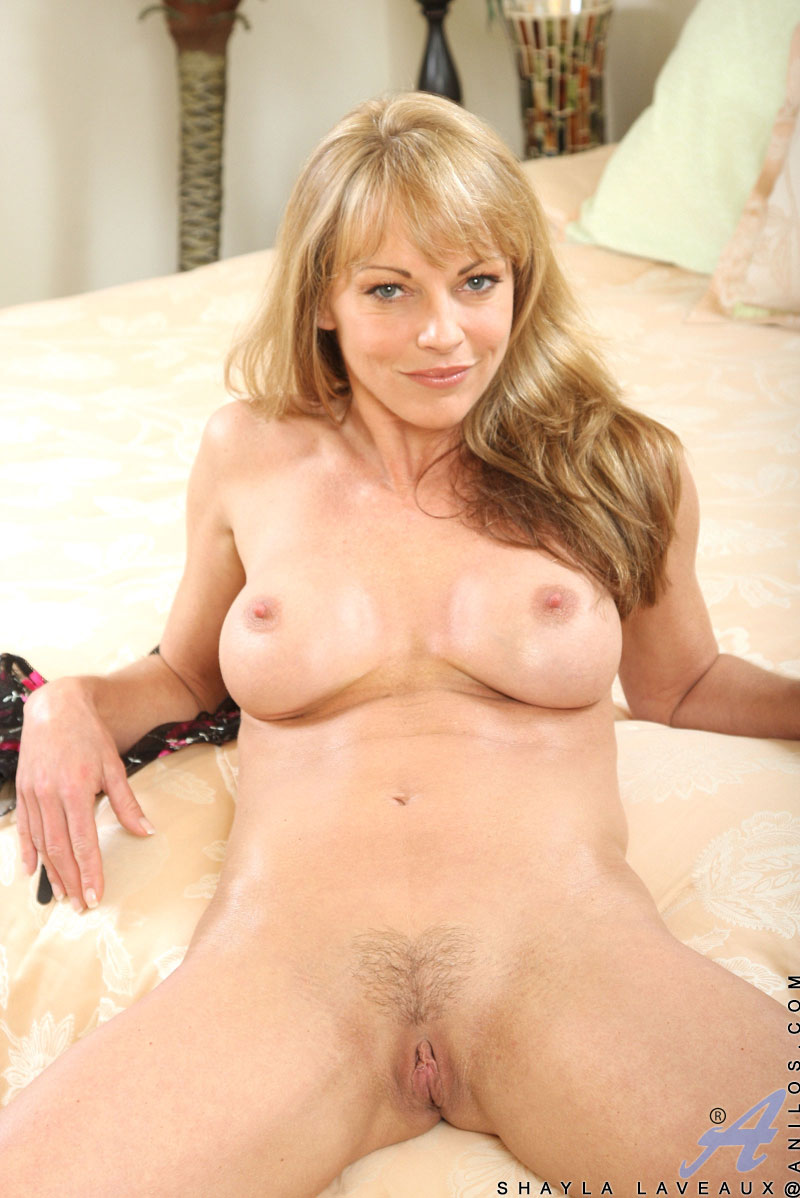 Sexy naked really cougar women