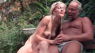 Old Couple Pissing And Fucking Outdoor Xxxpicz