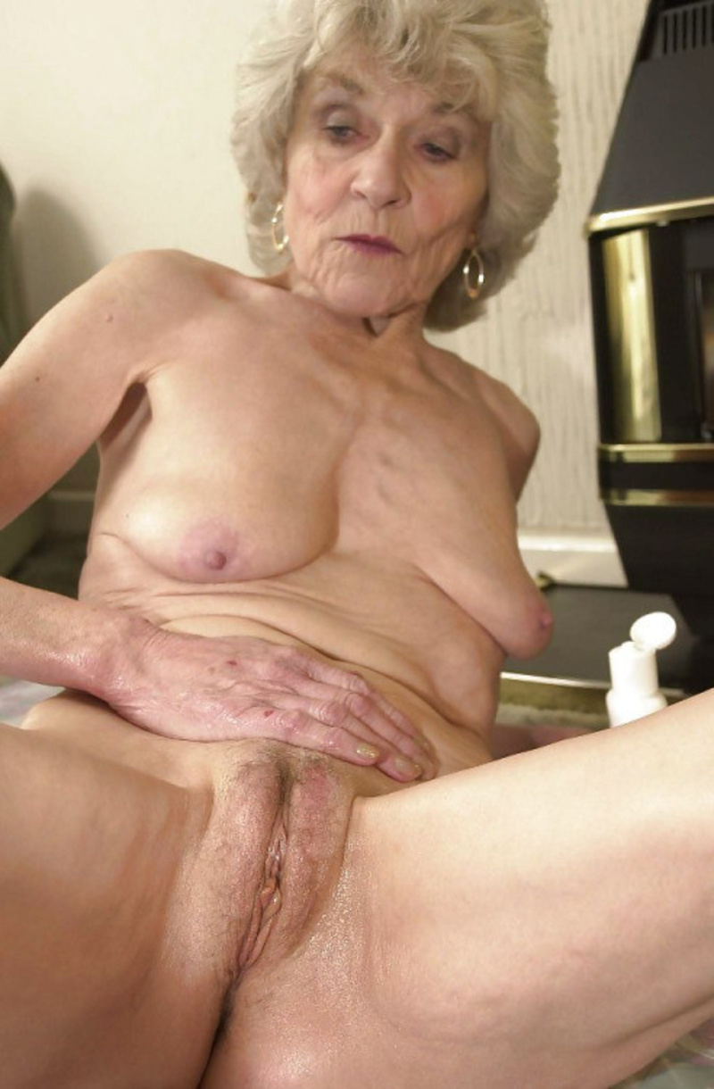 old grannypussy inside showing images for amature old granny pussy sexvee