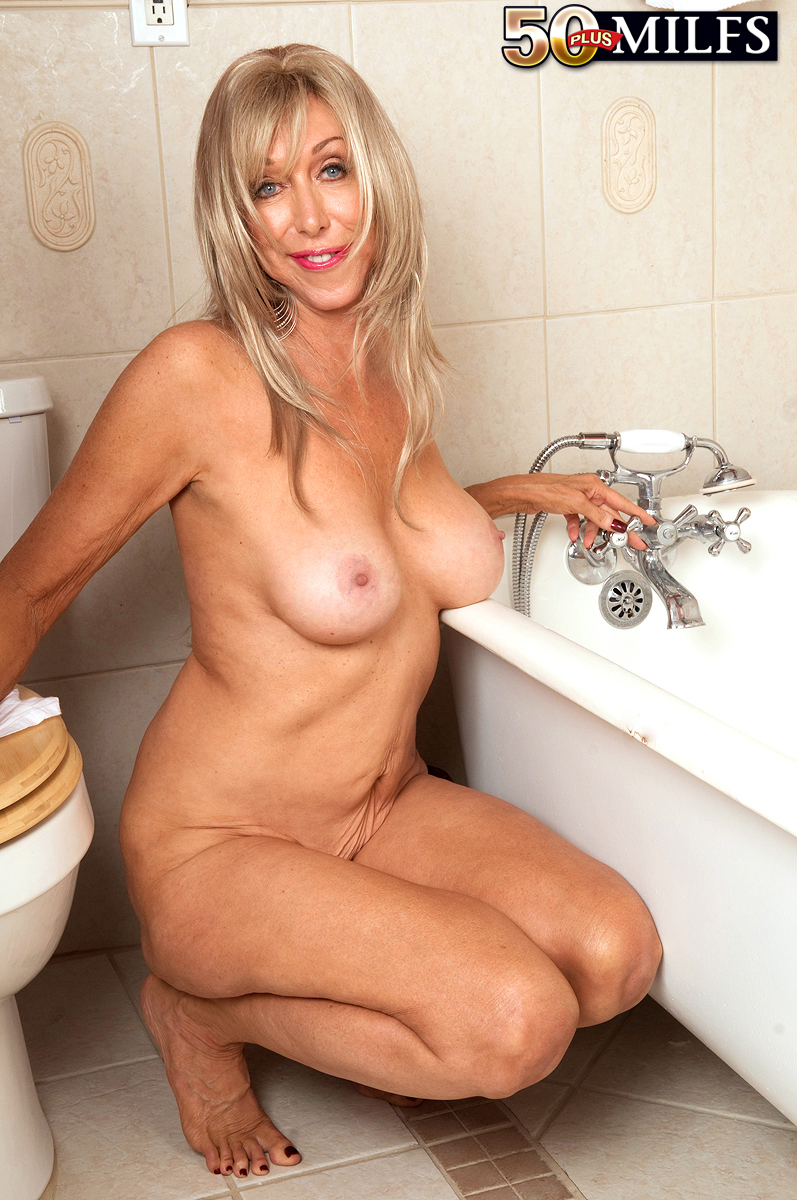 Busty Mature Solo Squirt