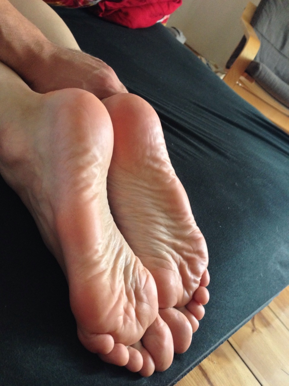 pinky wrinkled soles pinky soles wrinkled pinky soles wrinkled pinky soles pinky wrinkled soles