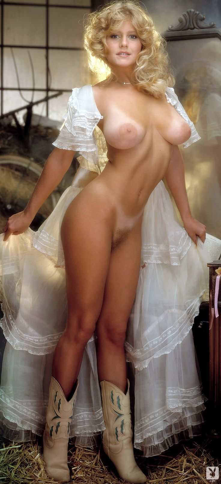 Babes nude hot Nude Busty