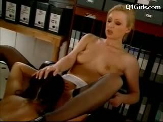 Think, Pussy licked at her desk