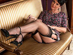 Mature nylons heels sex thumbs