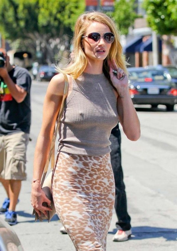 rosie huntington whiteley leaves a salon in west hollywood april