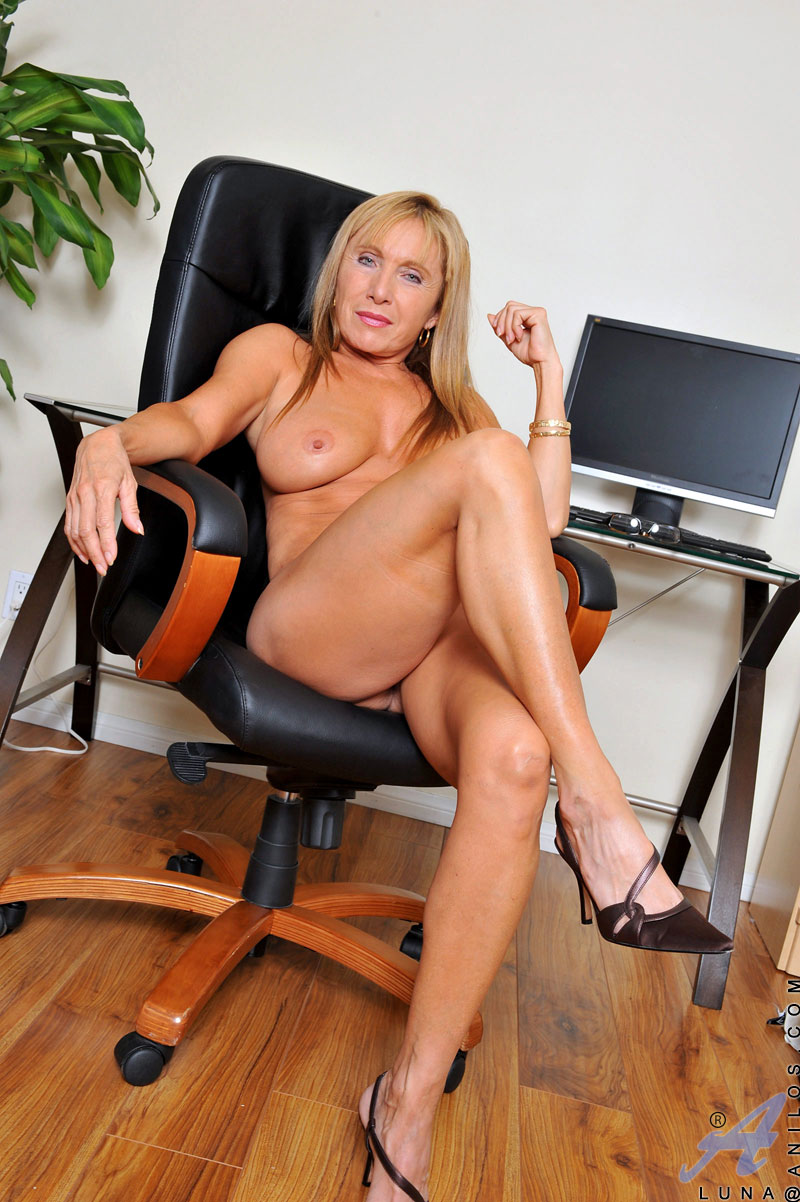 sexy mature milf secretaries blonde milf secretary office blonde milf secretary office secretary blonde