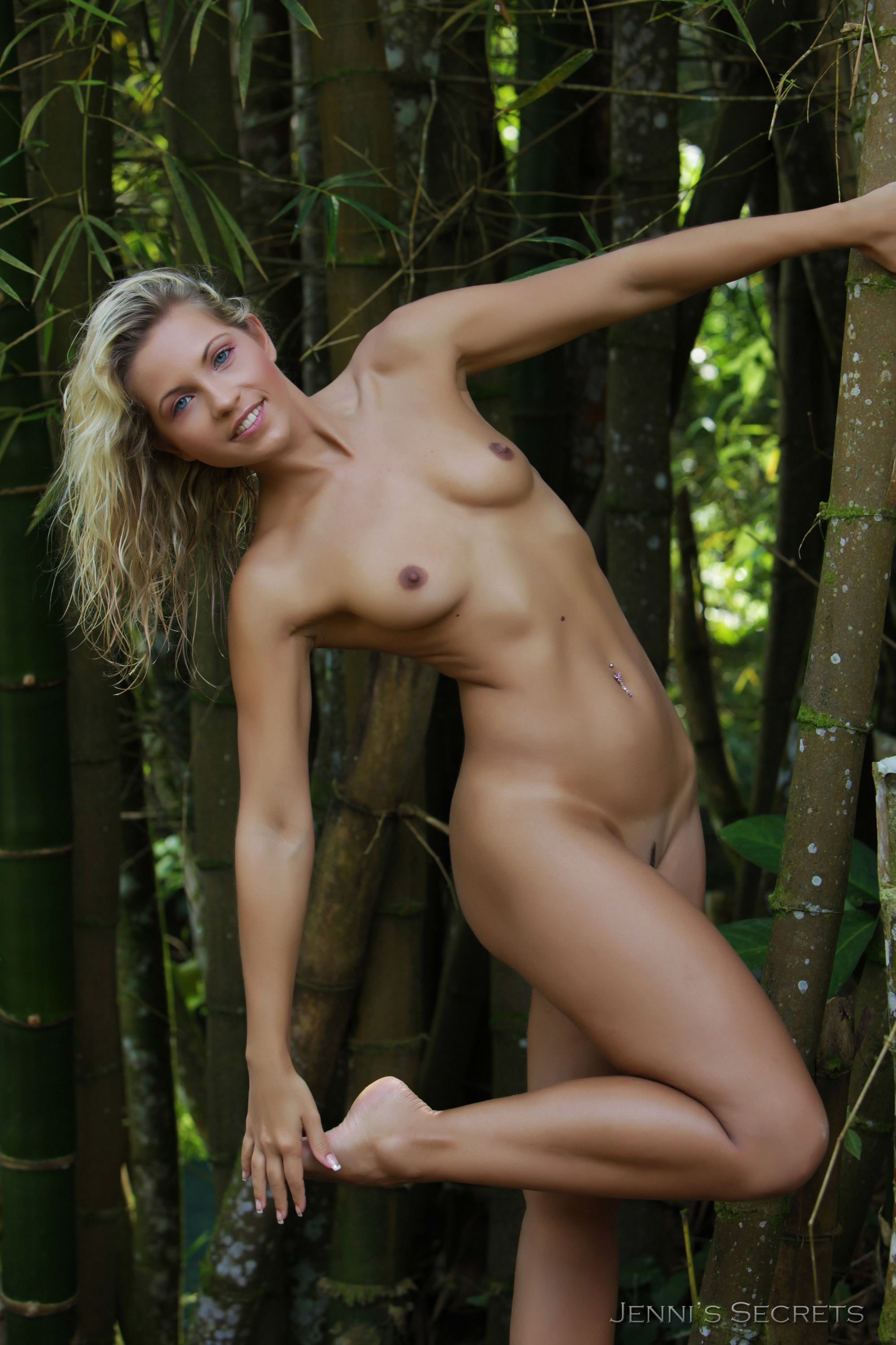 Busty young blondie gets fingered