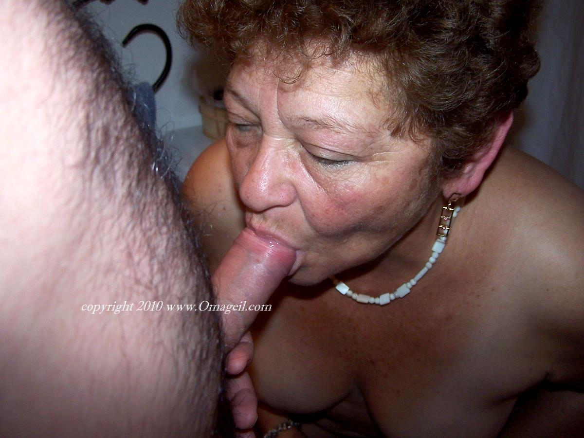 Amateur Mature Latina Blowjob