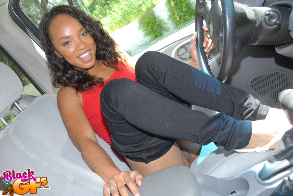 Ebony Tranny Car Blowjob